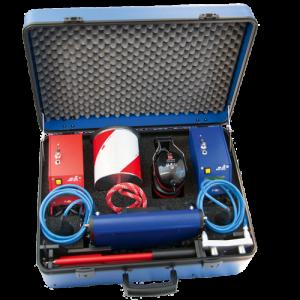 Valise avec corrélateur acoustique lokal 400, cloche et canne d'écoute, écouteur, et éméteur MB6